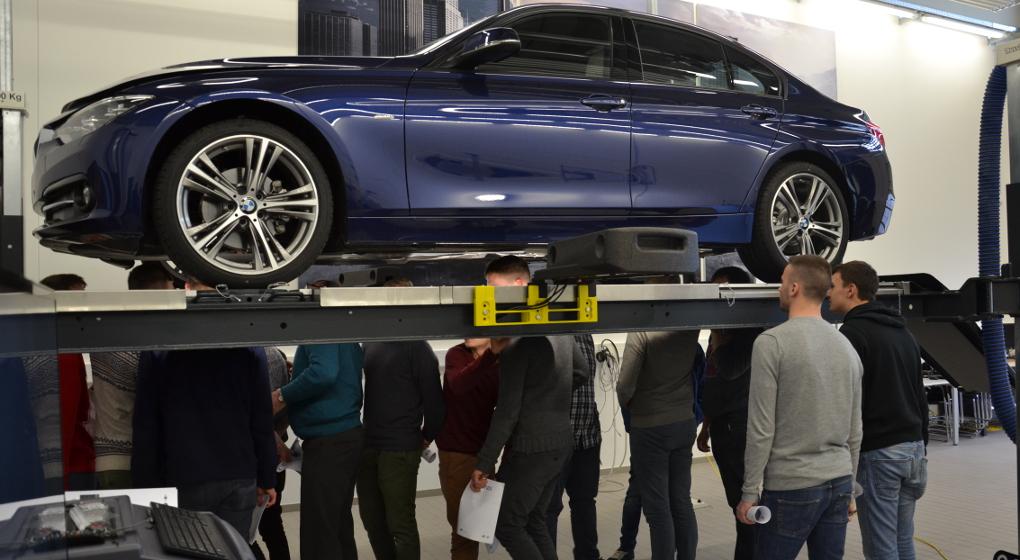 160302 - VTI Aalst op training bij BMW Group Belux
