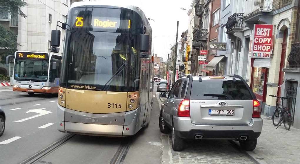 buyl_tram_voiture