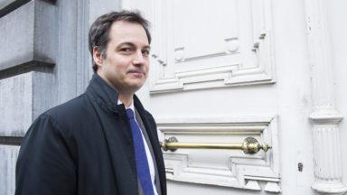 """Alexander De Croo répond aux syndicats sur la réforme des pensions : """"Il n'y a pas de liste"""""""