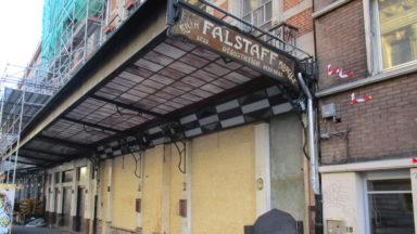 Après 18 mois de fermeture, le café Falstaff a rouvert