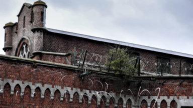 Comparution d'une directrice de la prison de Forest et 24 gardiens