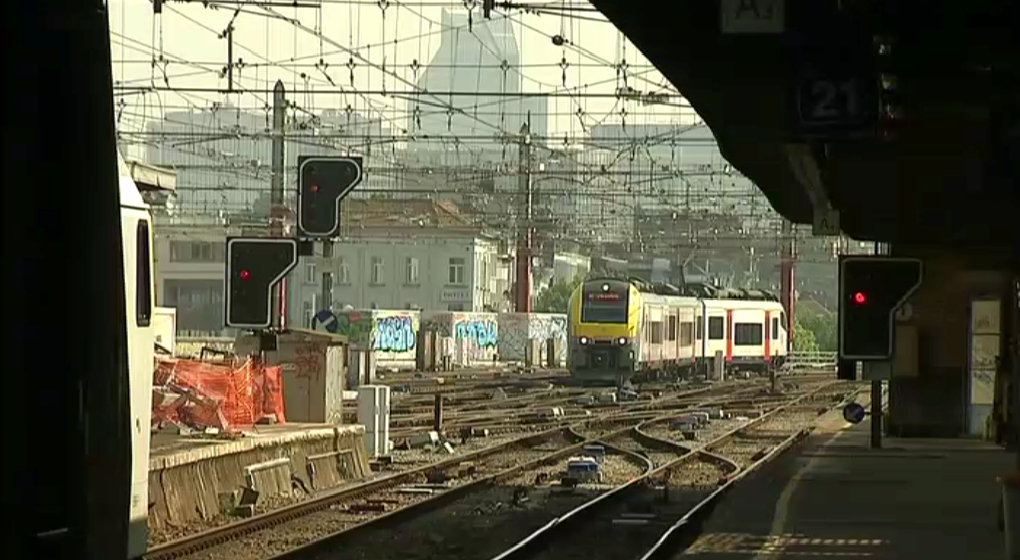 train_sncb_gare_midi