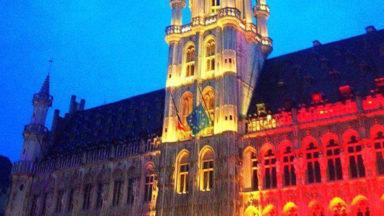L'Hôtel de Ville était en noir jaune rouge hier soir