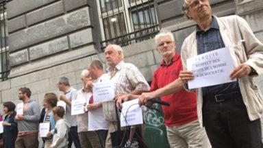 Manifestation pour dénoncer les atteintes aux droits de l'homme en Turquie