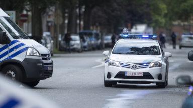 Quatre policiers légèrement blessés lors d'une course-poursuite aux alentours de la porte de Hal
