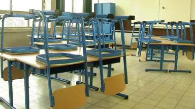 Des classes vides à l'Athénée d'Ixelles