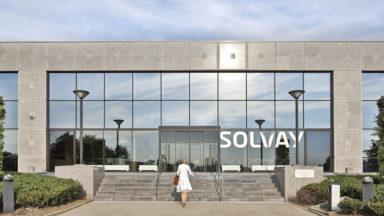 Solvay prévoit 17 suppressions nettes d'emplois en Belgique
