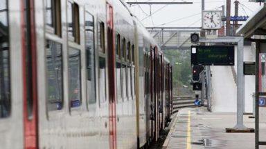 Importants retards sur la ligne Bruxelles-Charleroi à l'heure de pointe