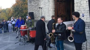 Plus de 300 personnes aux funérailles festives du DJ Eric «Powa B» Beysens