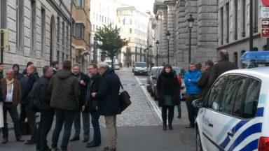 Alerte au colis suspect levée dans le centre de Bruxelles