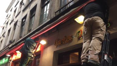 Ville de Bruxelles : pose des scellés sur les marquises non conformes