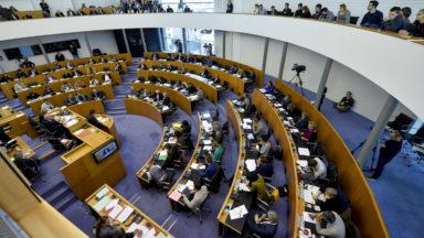 Déclaration politique bruxelloise : beaucoup de même projets et peu d'effets, juge l'opposition