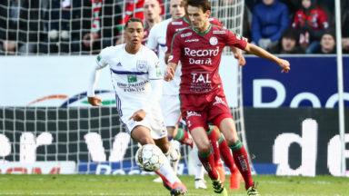 Zulte Waregem s'impose contre Anderlecht (3-2) et creuse l'écart en tête du classement