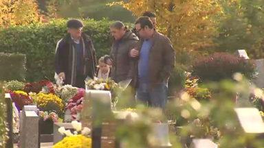 Toussaint : visite en famille au cimetière