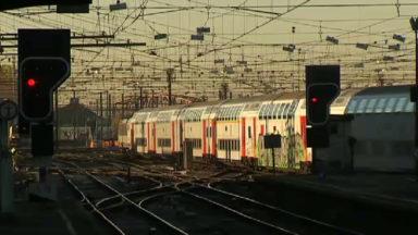 Le trafic des trains sur une seule voie entre Bruxelles et Braine-le-Comte