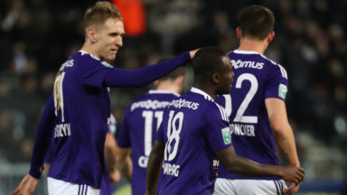 Anderlecht s'impose 0-2 à Charleroi