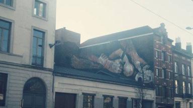 Une fresque géante évoque une décapitation