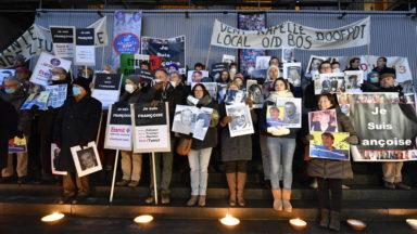 Une cinquantaine de personnes manifestent avant le début du procès Eternit