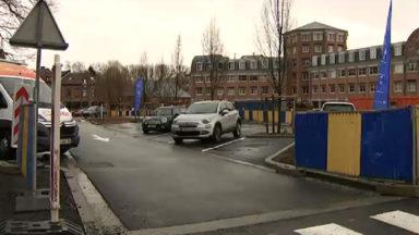 Place Saint-Lambert : les automobilistes obligés de se garer en marche arrière