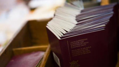 Trafic de documents à Bruxelles-Ville : sept passeports établis, pour des returnees
