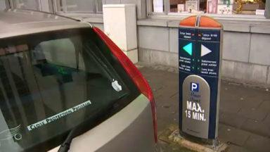 Stationnement à Woluwe-St-Lambert : les agents directement avertis sur leur GSM