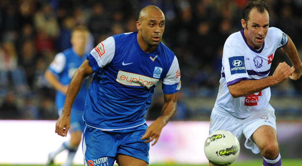 20110730 - GENK, BELGIUM: (L-R) Genk's Anthony Vandenborre and Beerschot's Bart Goor fight for the ball during the Jupiler Pro League match between KRC Genk and Beerschot AC, in Genk, Saturday 30 July 2011, on the first day of the Belgian soccer championship. BELGA PHOTO LUC CLAESSEN