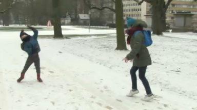 La capitale s'est réveillée sous la neige et le verglas