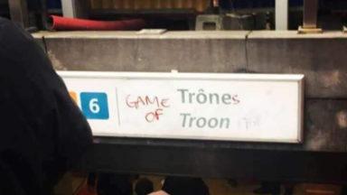 La station de métro Trône rebaptisée par des fans