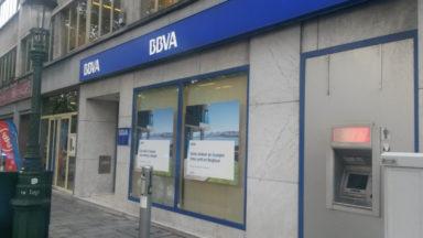 Un policier se fait voler son arme lors du braquage d'une banque à Bruxelles