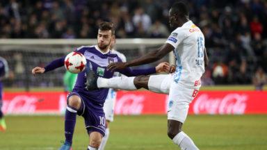 Anderlecht s'impose contre Genk et revient à hauteur du Club de Bruges