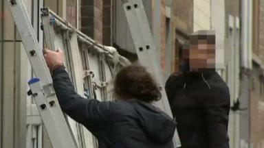 Les enseignes illégales enlevées à Schaerbeek