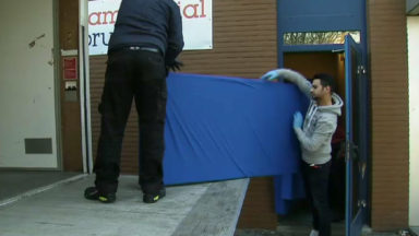 Quelque 200 migrants expulsés du centre d'accueil de Haren dans le calme