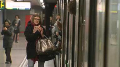 Du bruit dans le métro en mémoire des victimes