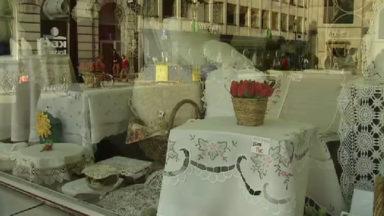 Malgré les difficultés, la dentelle reste bien présente dans le centre-ville