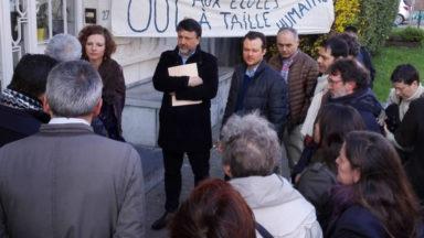 Etterbeek : des parents de l'Athenée Jean Absil tentent de sensibiliser la Ministre Schyns contre la surpopulation dans leur école