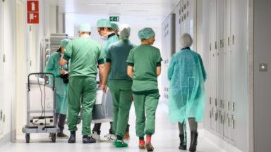 Obligation vaccinale des soignants : les employeurs demandent des sanctions