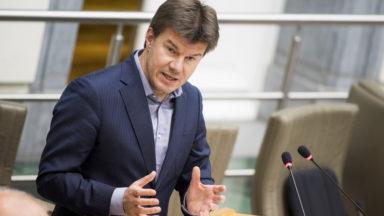 Survol de Bruxelles : Gatz réclame plus de réserve dans les déclarations