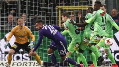 Play-offs I : Charleroi inflige sa première défaite à Anderlecht (0-1)