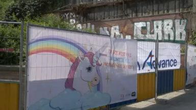 Campagne de sensibilisation SIDA sur le chantier communal de la place Albert à Forest