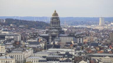 Délinquance des jeunes adultes à Bruxelles : l'influence du contexte socio-économique