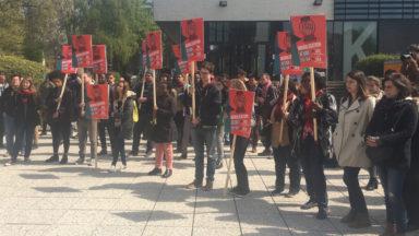 Le blocage des rectorats de l'ULB et de l'UCL continue