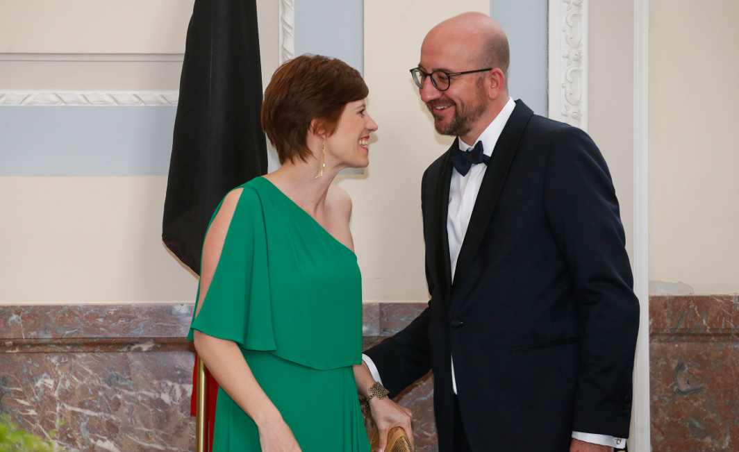 La délégation des conjoints est arrivée au musée Magritte