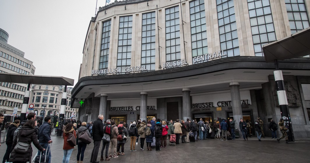 Illustration picture shows people queuing to enter into the Central Station in Brussels, Wednesday 23 March 2016. Yesterday morning two bombs exploded in the departure hall of Brussels Airport and another one in the Maelbeek - Maalbeek subway station, which made around 30 deadly victims and 230 injured people in total. ISIL (Islamic State of Iraq and the Levant - Daesh) claimed responsibility for these attacks. The terrorist threat level has been heightened to four across the country. BELGA PHOTO AURORE BELOT