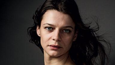 Les Belges Anna Cervinka et Ivo van Hove distingués aux Molières