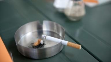 Près de la moitié des cafés bruxellois ne respectent pas l'interdiction de fumer