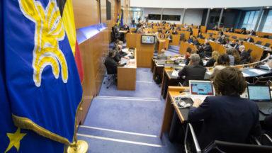 Réforme des pensions : le parlement francophone bruxellois adopte une motion en conflit d'intérêt