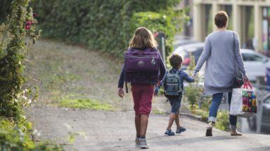 La Ligue des Familles dénonce le coût de la scolarité pour les parents : les frais sont encore plus élevés dans le secondaire