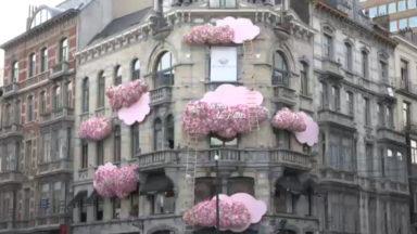 Pierre Marcolini révèle une nouvelle façade fleurie sur sa boutique du Sablon