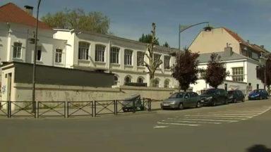 Ixelles : l'homme rôdant autour de l'école 8 a été inculpé et libéré sous conditions
