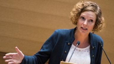 Niveau de lecture : La ministre Schyns réfute toute inaction
